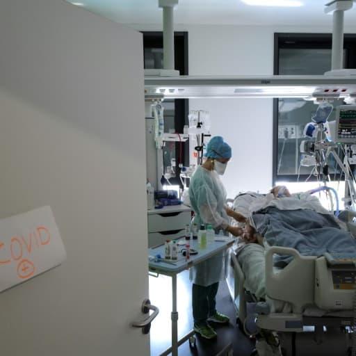 Covid-19: le nombre de patients en réanimation repasse sous la barre des 5000 en France