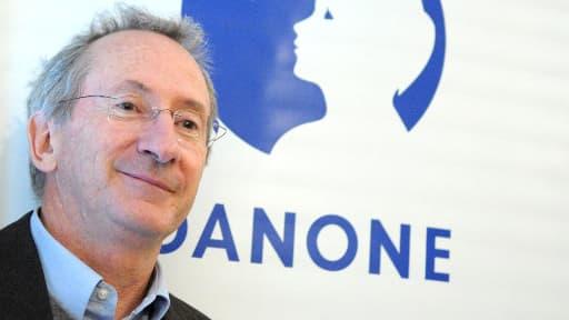 Frank Riboud préside le groupe développé par son père Antoine.