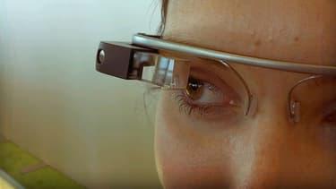Les applications illégales des Google Glass commencent à inquiéter les parlementaires américains.
