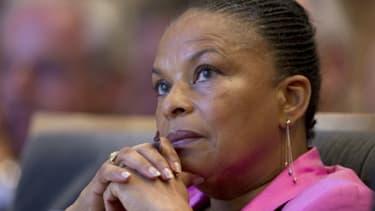 """La ministre démissionnaire de la Justice Christiane Taubira a déclaré mercredi qu'elle quittait le gouvernement """"sur un désaccord politique majeur"""" - 27 janvier 2016"""