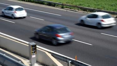 Un conducteur britannique, participant avec d'autres à une course clandestine, a été contrôlé dimanche après-midi à 265 km/h sur l'autoroute A 26 près de Calais