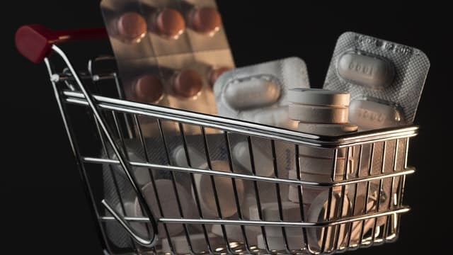Les prix des médicaments sans ordonnance sont généralement plus attractifs dans les espaces en libre service des pharmacies.