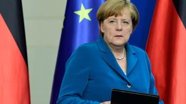 Ce lundi, Angela Merkel a appelé les Allemands à se mobiliser contre la haine.