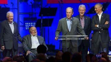 George H.W. Bush, Jimmy Carter,  George W. Bush, Bill Clinton et Barack Obama, réunis pour un gala de charité le 21 octobre 2017 au Texas.