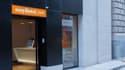 La chaîne easyHotel achète l'actuel Ibis Palais des Congrès de Nice avec pour objectif d'ouvrir son premier établissement français.