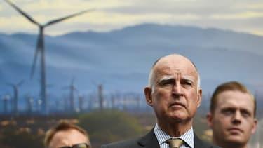 """Jerry Brown, le gouverneur de Californie, s'est félicité d'une décision de """"justice économique""""."""