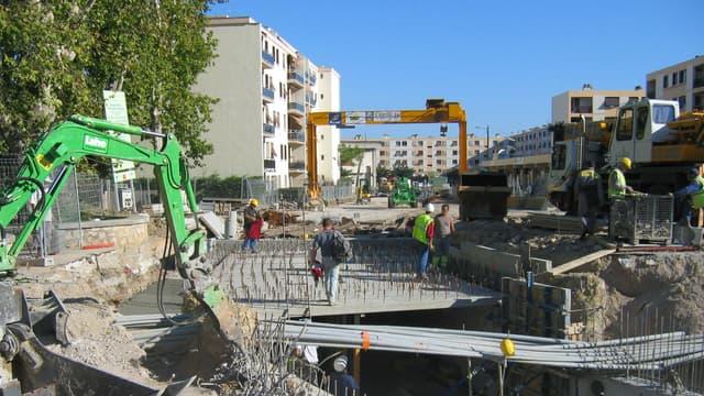 Le seuil de mise en concurrence des marchés publics passe de 15.000 à 25.000 euros ce 1er octobre.
