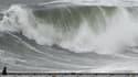 Des vagues de 6 mètres ont frappé Nice