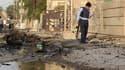 Aux abords de l'église Notre-Dame du Salut, à Bagdad, au lendemain de la prise en otages de fidèles par un commando armé. L'assaut lancé dimanche par les forces de l'ordre contre cette église chrétienne s'est soldé par la mort de 52 policiers et otages et