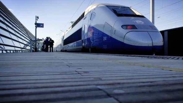 La Cour des comptes juge le réseau ferroviaire grande vitesse français peu cohérent et trop coûteux.