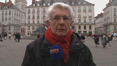 René Robert, le grand-père de Pierre Legrand, samedi 2 mars à Nantes. Il réclame un changement de stratégie de l'armée française au Mali.