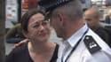 Andrew Maxwell et Gill Hicks se sont enlacés pendant de longues minutes mardi à la gare de King's Cross, à Londres.