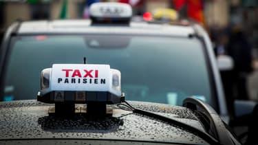 Le montage financier proposé par Terra Nova repose sur un système de cotisation permettant un remboursement sur 30 ans, pour une somme d'environ 135 euros mensuels par chauffeur qu'ils soient taxis ou VTC.
