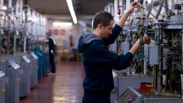 L'activité manufacturière française a renoué avec la croissance en mars, après deux ans de contraction.