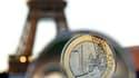 """La reprise """"modeste"""" que connaît l'économie française ne suffira pas à effacer les cicatrices de la crise et Paris doit fournir de nouveaux efforts en matière budgétaire, estime l'OCDE, qui a relevé sa prévision de croissance pour la France à 2,2%. /Photo"""