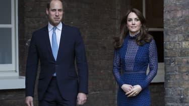 Warren Allott - Le Prince William et Kate Middleton à Kensington Palace le 6 avril
