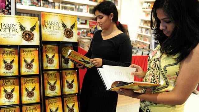 Dans ce nouvel opus, Harry Potter est marié et père de trois enfants.