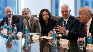 Donald Trump entouré des géants de la Silicon Valley le 14 décembre 2016.
