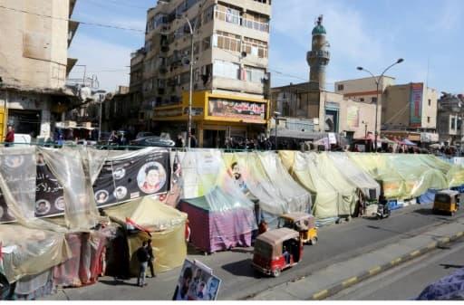 Photo montrant le campement des protestataires antipouvoir sur la place Tahrir, dans le centre de la capitale irakienne Bagdad, le 15 février 2020
