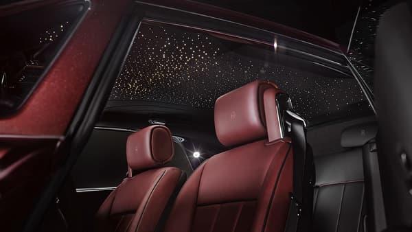 Les couleurs des cuirs s'inspirent des modèles Rolls Royce des années 1930.