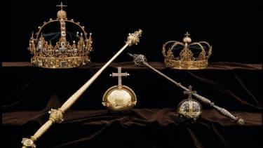 Les voleurs se sont emparés de deux couronnes et d'un orbe.