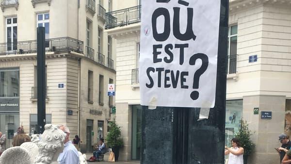 """""""Où est Steve ?"""", sur des affiches place Royale, à Nantes, le 21 juillet 2019."""