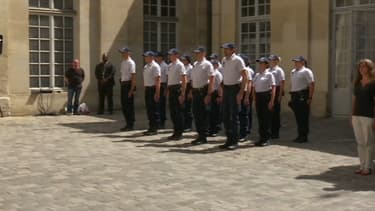 Une minute de silence a été respectée mardi midi dans tous les commissariats des Yvelines.