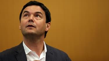 Thomas Piketty veut remplacer l'eurogroupe (le conseil des ministres des Finances de la zone euro) par des députés élus.