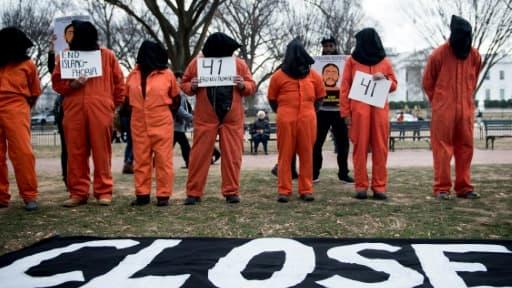 Manifestation contre la prison militaire américaine de Guantanamo, à Cuba, devant la Maison Blanche le 11 janvier 2018
