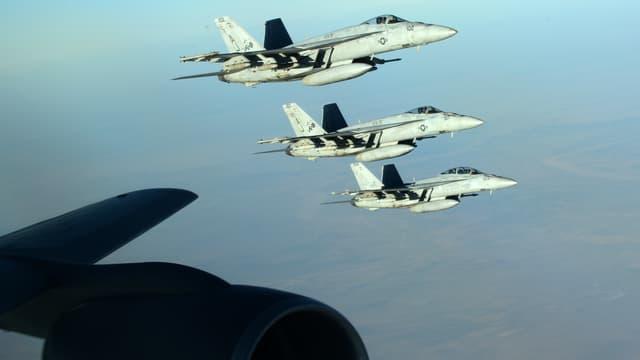Trois F-18E Super Hornet en mission dans le ciel irakien, le 23 septembre 2014.