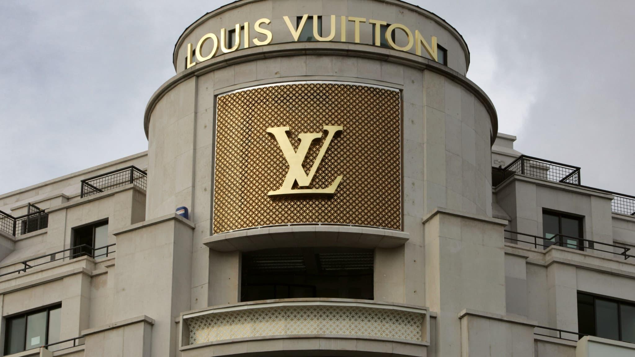 La ville de Vendôme cède son nom à LVMH contre 10.000 euros et des emplois - BFMTV