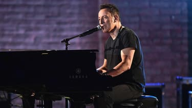Bruce Springsteen sur la scène des Tony Awards le 10 juin 2018 à New York