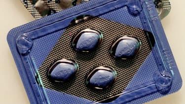 Une plaquette de pilules Viagra, médicament contre l'impuissance masculine.