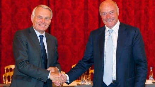 Jean-marc Ayrault reçoit Alain Rousset et les représentants de collectivités, jeudi 28 février.