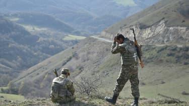 Des réservistes sur les hauteurs de Choucha, dans le Nagorny Karabakh , le 31 octobre 2020
