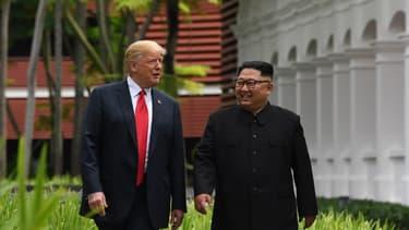 Donald Trump et Kim Jong-un lors de leur rencontre à Singapour le 12 juin