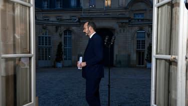 """Le Premier ministre a répété mardi sa """"détermination totale"""" à mener à bien la réforme promise par Emmanuel Macron et à créer le """"système universel"""" de retraite par points."""