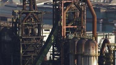 Les hauts-fourneaux d'ArcelorMittal sur le site de Florange-Hayange (Moselle). Les syndicats d'ArcelorMittal ont fait monter la pression d'un cran mardi à Florange en interdisant l'accès aux locaux administratifs pour obtenir un engagement de la direction