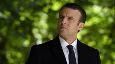 Emmanuel Macron, dans le jardin du Luxembourg.
