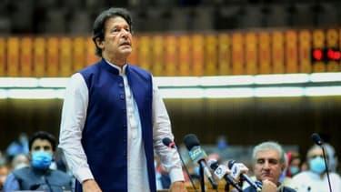 Le Premier ministre pakistanais Imran Khan lors d'un discours devant l'Assemblée naionale, le 25 juin 2020 à Islamabad