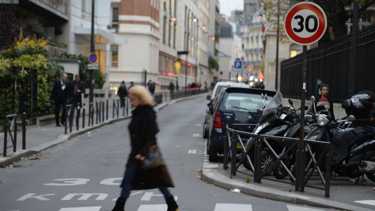 Pourquoi, comme Paris, les villes veulent limiter la vitesse à 30 km/h