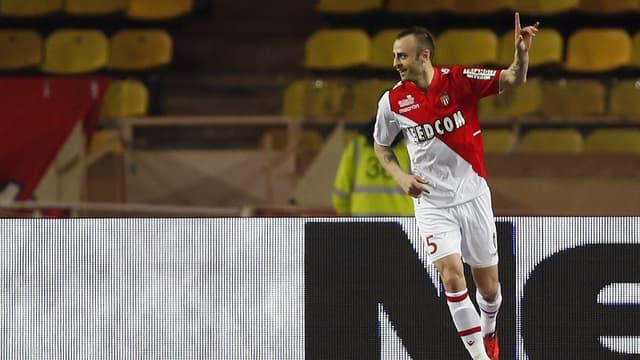 Monaco : Dimitar Berbatov ouvre le score face à Nice