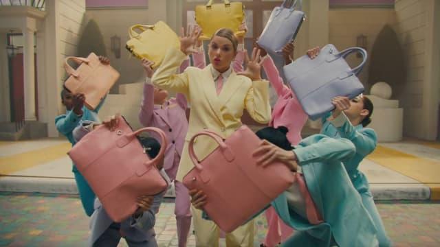 """Taylor Swift dans le clip de """"Me!"""""""