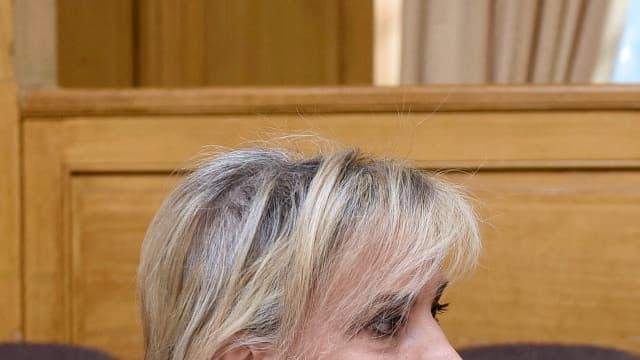 Les avocates de Jacqueline Sauvage, Janine Bonaggiunta (à gauche) et Nathalie Tomasini (à droite), travaillant sur un autre procès, à Nancy, le 21 mars 2012.