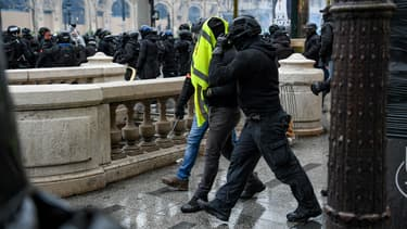 Plus de 100 interpellations ont eu lieu à Paris, le 15 décembre 2018