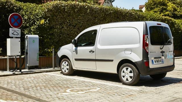 Le Kangoo ZE fait partie des utilitaires électriques les plus vendus.