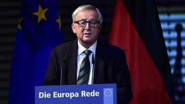 """""""Moi je crois que nous aurons deux années de temps perdu jusqu'à ce que M. Trump ait fait le tour du monde qu'il ne connaît pas"""", a estimé Jean-Claude Juncker"""