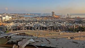 Une vue du port de Beyrouth après les déflagrations, mardi.