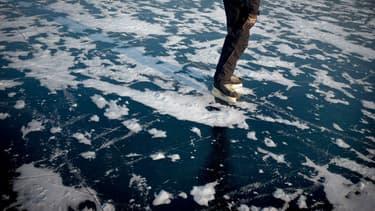 Un lac gelé à Saint-Point-Lac (Doubs), le 8 janvier 2009. Photo d'illustration