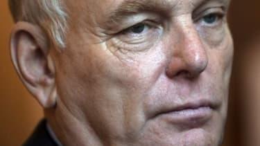 """Ayrault: """"il n'y a qu'une ligne politique au gouvernement, pas deux"""""""